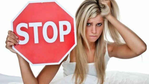 Come bloccare o fare ritardare il ciclo mestruale: ore, giorno
